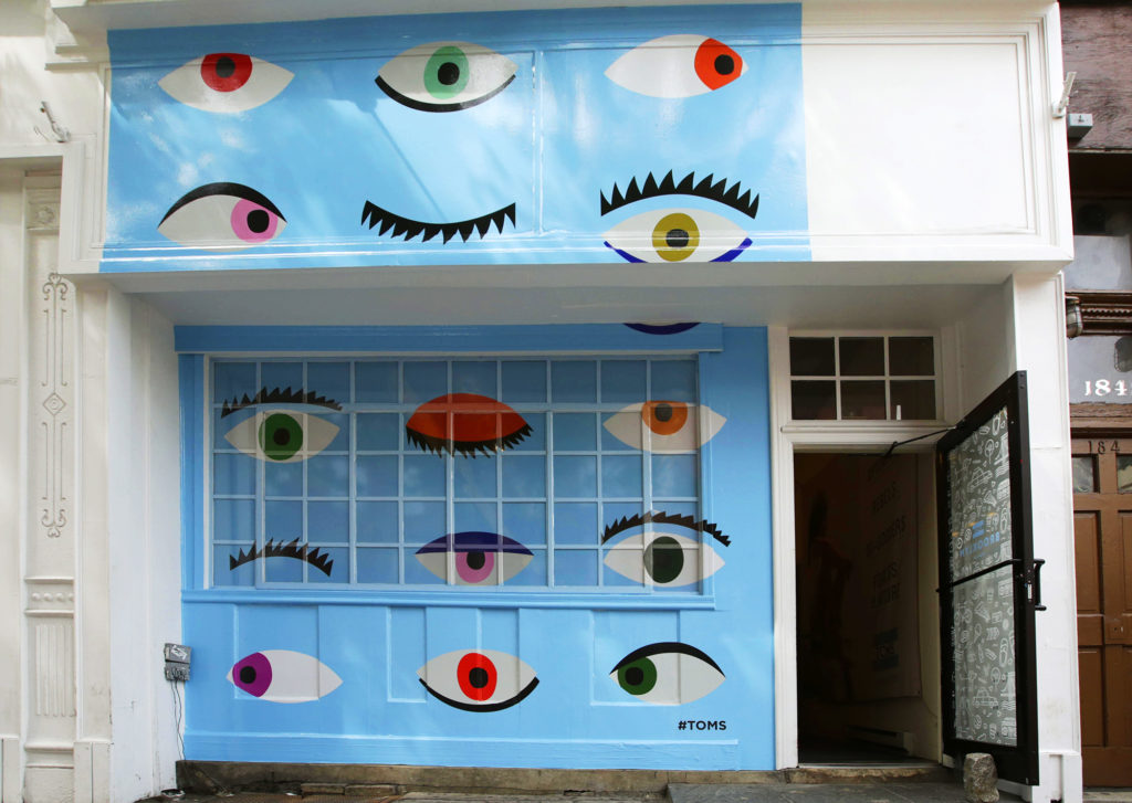 Toms storefront mural